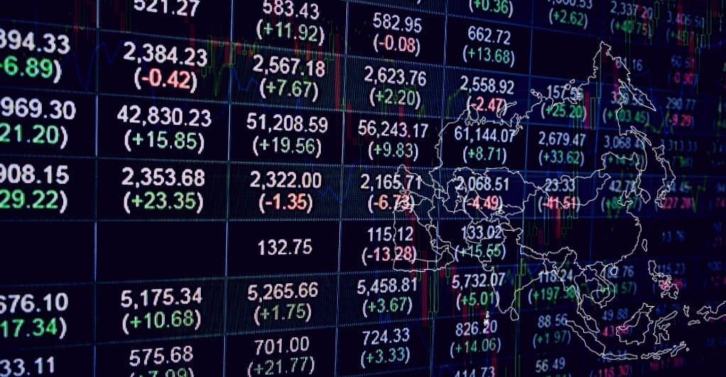 Most Asian Markets Rising as US Data Indicates Low Rates
